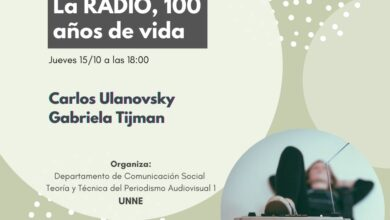 Photo of Carlos Ulanovsky en una charla sobre la Radio