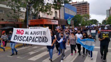 Photo of «Discapacidad en emergencia»: masiva marcha en rechazo al ajuste en el sector