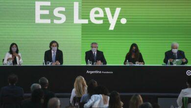 Photo of Se promulgaron las leyes  de IVE y de los 1000 días