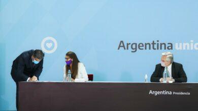 Photo of El gobernador rubricó el acuerdo federal contra la violencia de género