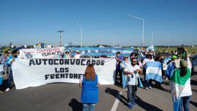 Photo of Docentes interrumpieron el tránsito por mejoras salariales y edilicias