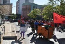 Photo of Protesta en Casa de Gobierno en  apoyo a vendedores desalojados