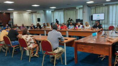 Photo of La reunión entre el gobierno provincial y docentes se posterga hasta el viernes
