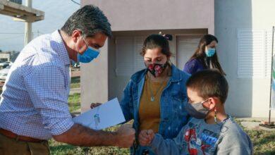 Photo of Se entregaron 40 viviendas en Castelli