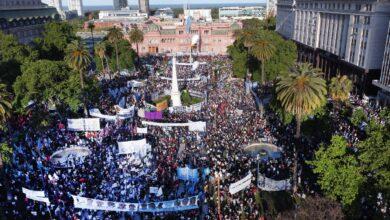 Photo of Día de la Lealtad Peronista con una multitud en la Plaza de Mayo