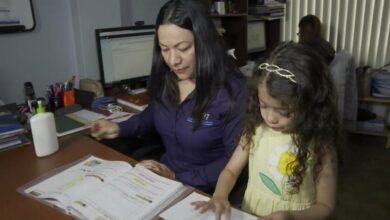 Photo of Cayó 18 puntos la participación de madres en el mercado del trabajo