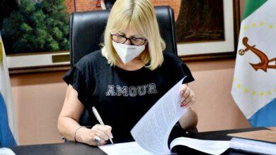 Photo of Fontana firma convenio para un plan de obras integral en el barrio Anunciación