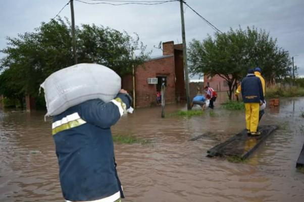Photo of Más de 220 milímetros de lluvia  complicaron a Santa Sylvina y Chorotis